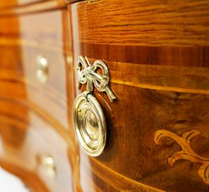 Dokumentation einer Möbelrestaurierung